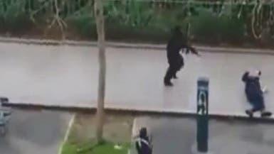 لحظة الهجوم على صحيفة شارلي ايبدو في باريس