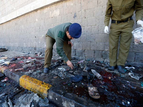 صنعاء.. عشرات القتلى في تفجير دامٍ فجراً