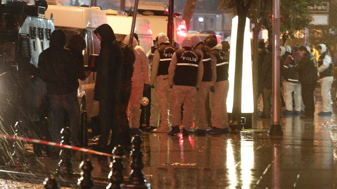 Forensic officers work at the scene of a bomb blast in Istanbul January 6, 2015. Reuters