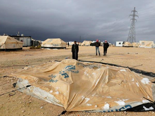 الأردن يدرس إصدار وثائق للاجئين السوريين