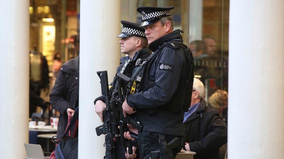 عناصر من الشرطة البريطانية 3
