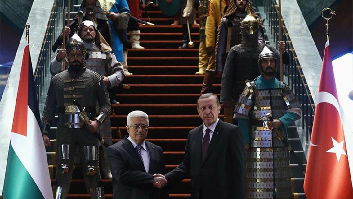 اردوغان يستقبل عباس  بحرس شرف بزي 16 دولة تركية