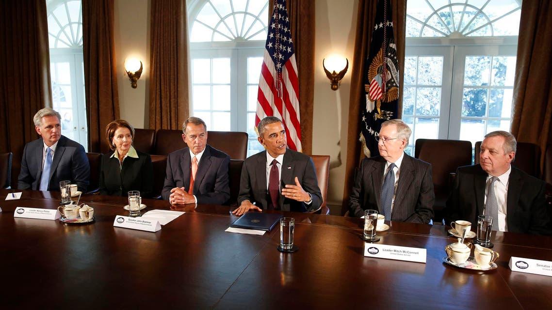 أوباما مع أعضاء من الكونغرس
