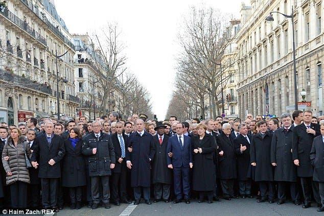 عکس اصلی از حضور رهبران جهان در تظاهرات پاریس