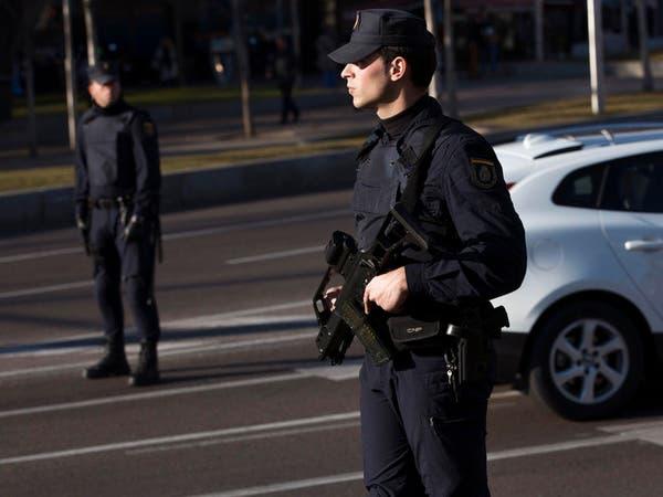 """شرطة إسبانيا تعتقل مغربياً وإسبانية على صلة بـ""""داعش"""""""