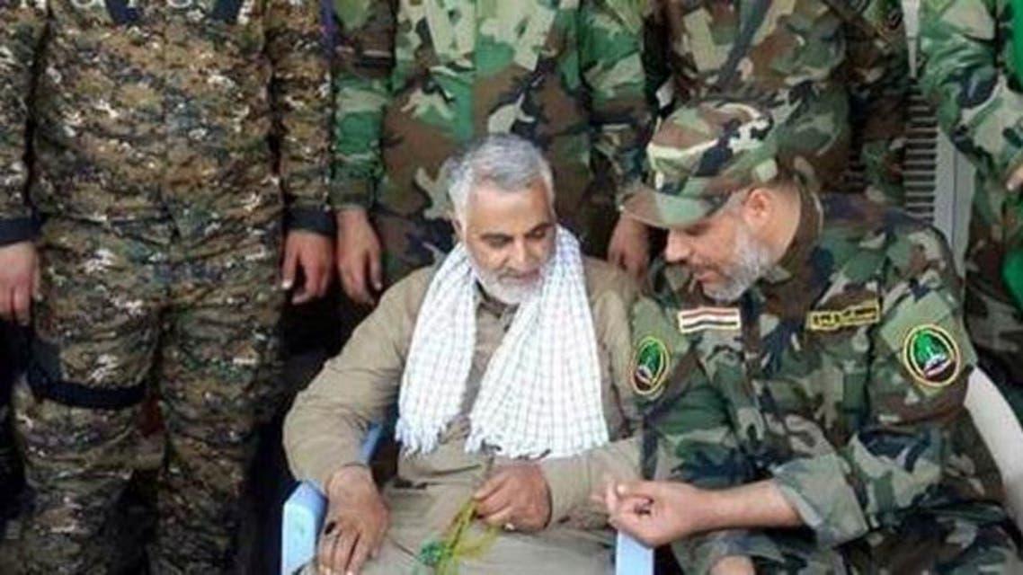 قاسم سليماني وسط مقاتلين عراقيين