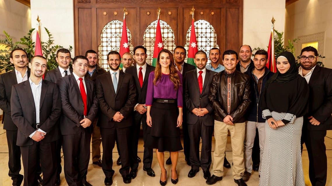 الملكة رانيا ومتطوعي التصدي للعاصفة الثلجية