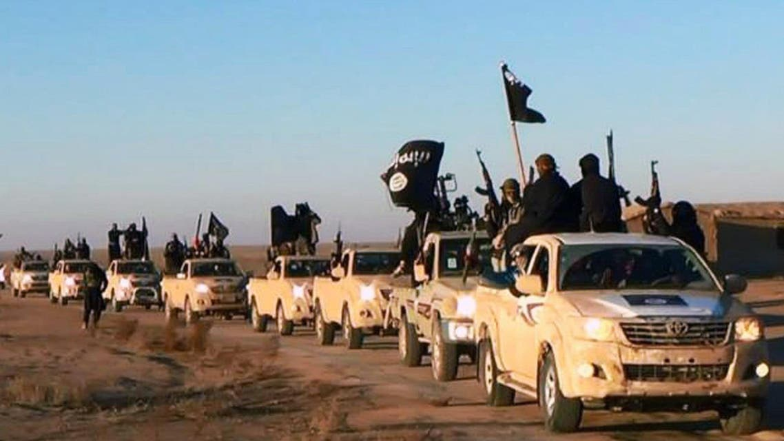convoy of vehicles and fighters from the al-Qaida-linked Islamic State of Iraq and the Levant (ISIL) fighters in Iraq's Anbar Province.