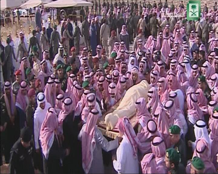 THUMBNAIL_ صور دفن الملك عبدالله بن عبدالعزيز في مقبرة العود