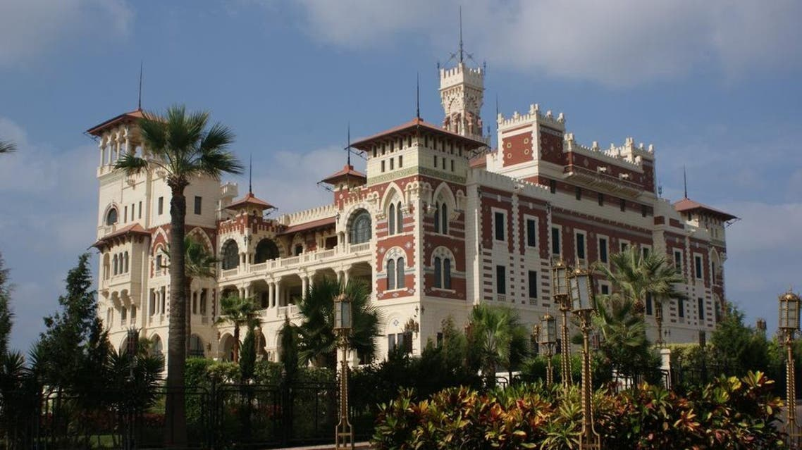 One of King Farouk's palaces. (Photo courtesy: panoramio.com)