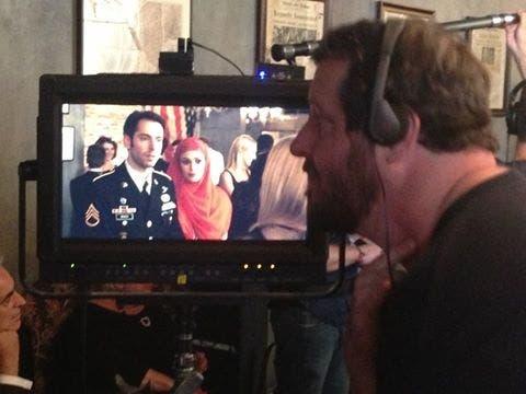 المخرج شون مولين يتابع التصوير