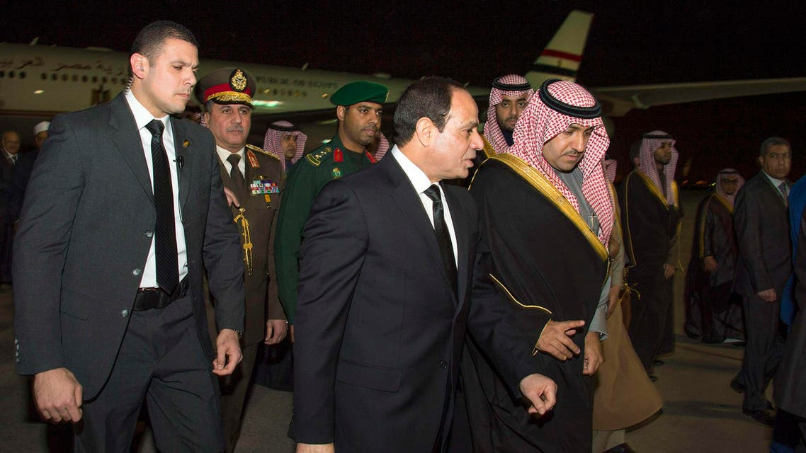 Egypt's President Abdel Fattah al-Sisi (C) arrives to offer condolences after the death of Saudi King Abdullah in Riyadh January 24, 2015. (Reuters)