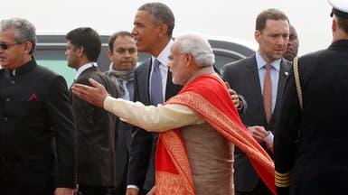 رئيس وزراء الهند يستقبل أوباما بالأحضان