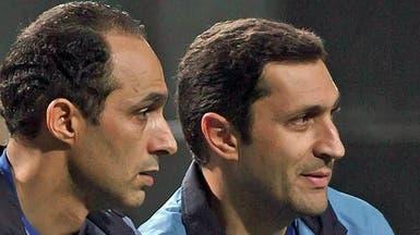 """شاهد.. زحام لالتقاط """"سيلفي"""" مع علاء وجمال مبارك"""