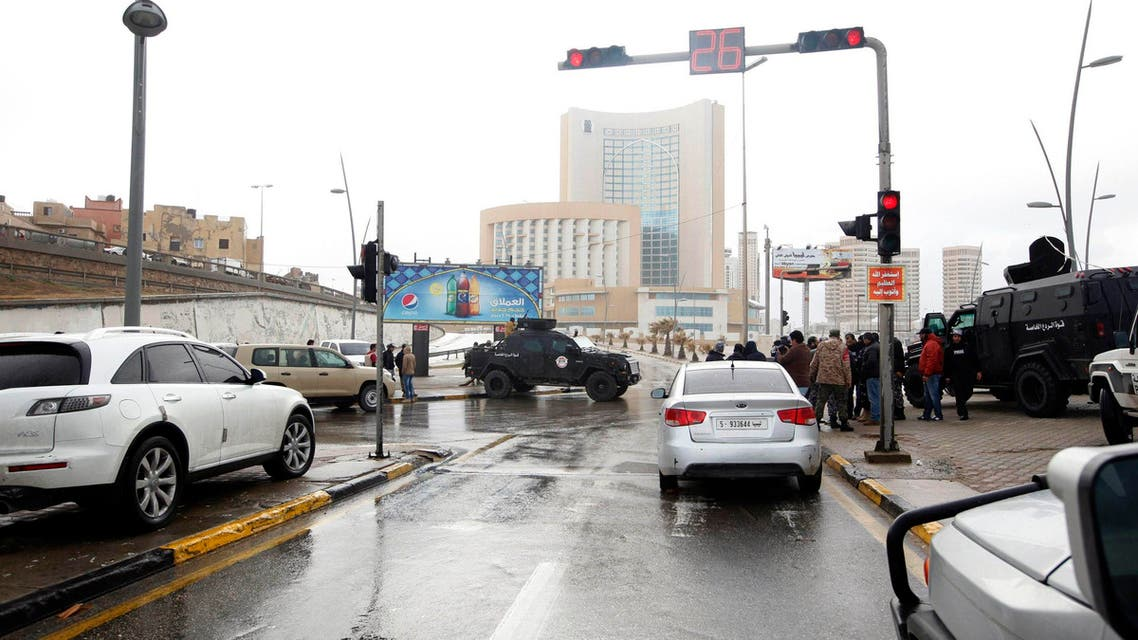 Security forces surround Corinthia hotel after a car bomb in Tripoli January 27, 2015.  (Reuters)