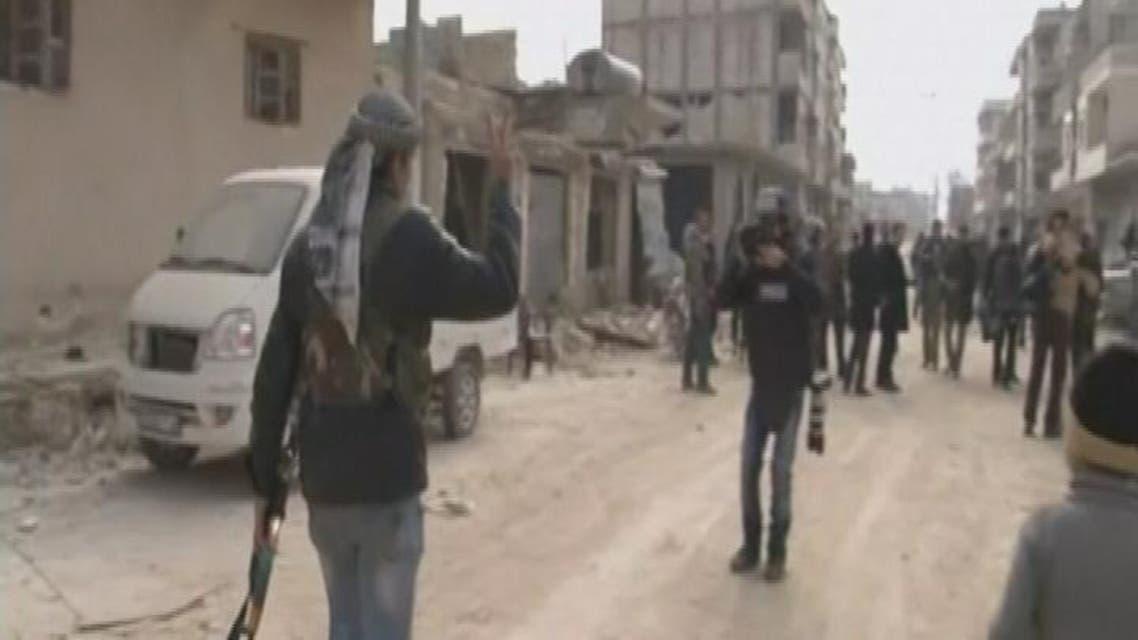THUMBNAIL_ البيشمركة تنشر بأحياء كوباني بعد طرد المتطرفين منها