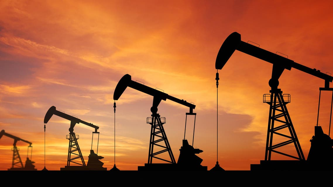 Oils prices drop (Shutterstock)