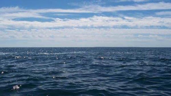 عبر المحيط بقارب صغير في 3 أشهر ليحضر عيد ميلاد والده