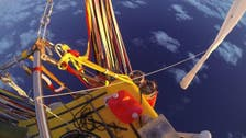 Record-breaking balloonists splashdown off Mexico