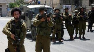 الجيش الإسرائيلي يضيّق الخناق على رام الله.. ويعتقل العشرات