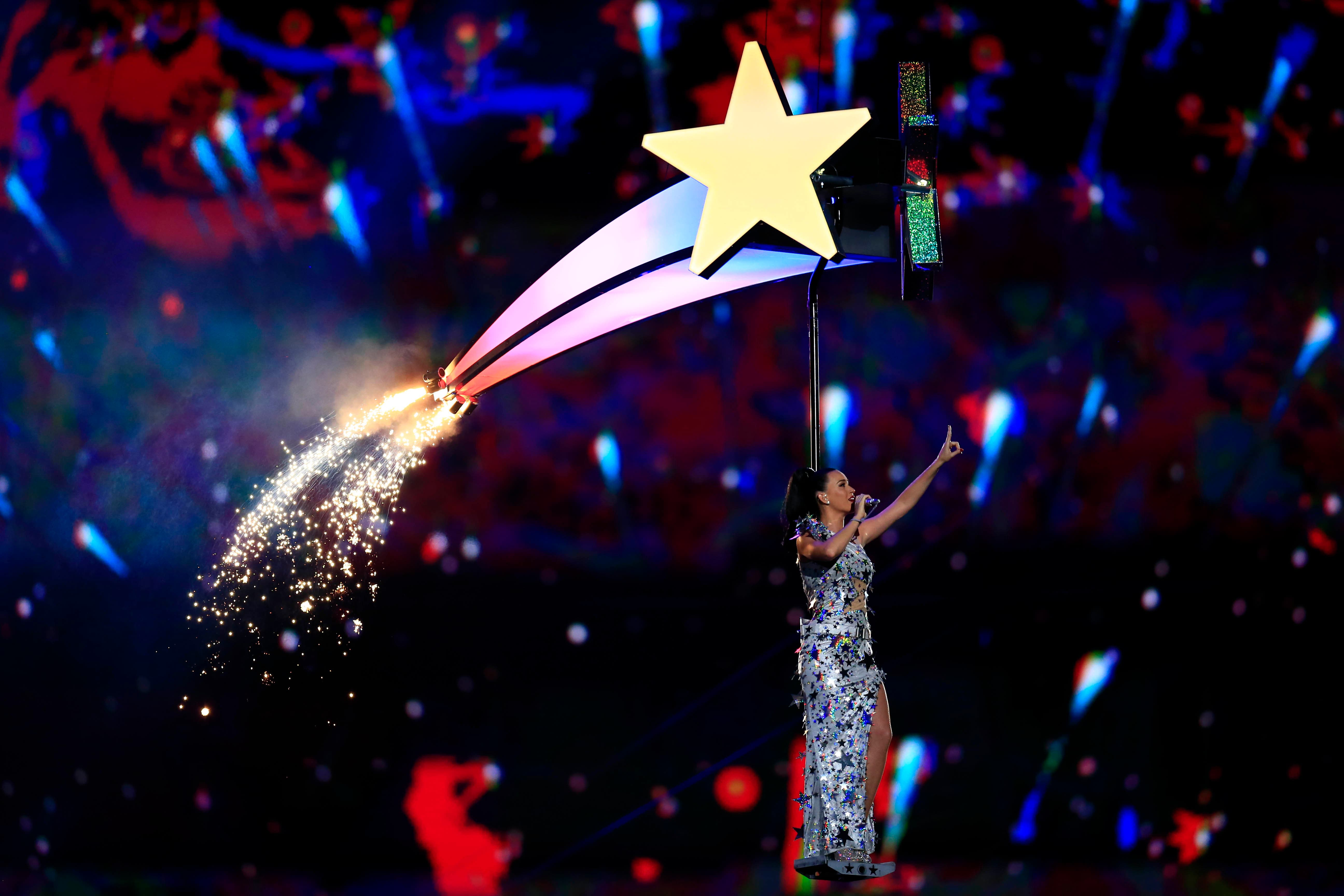 A general view of recording artist Katy Perry performs during the half time show in Super Bowl XLIX. (Reuters)