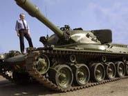 سويدي يشتري دبابة سوفياتية ليلعب بها على الجليد