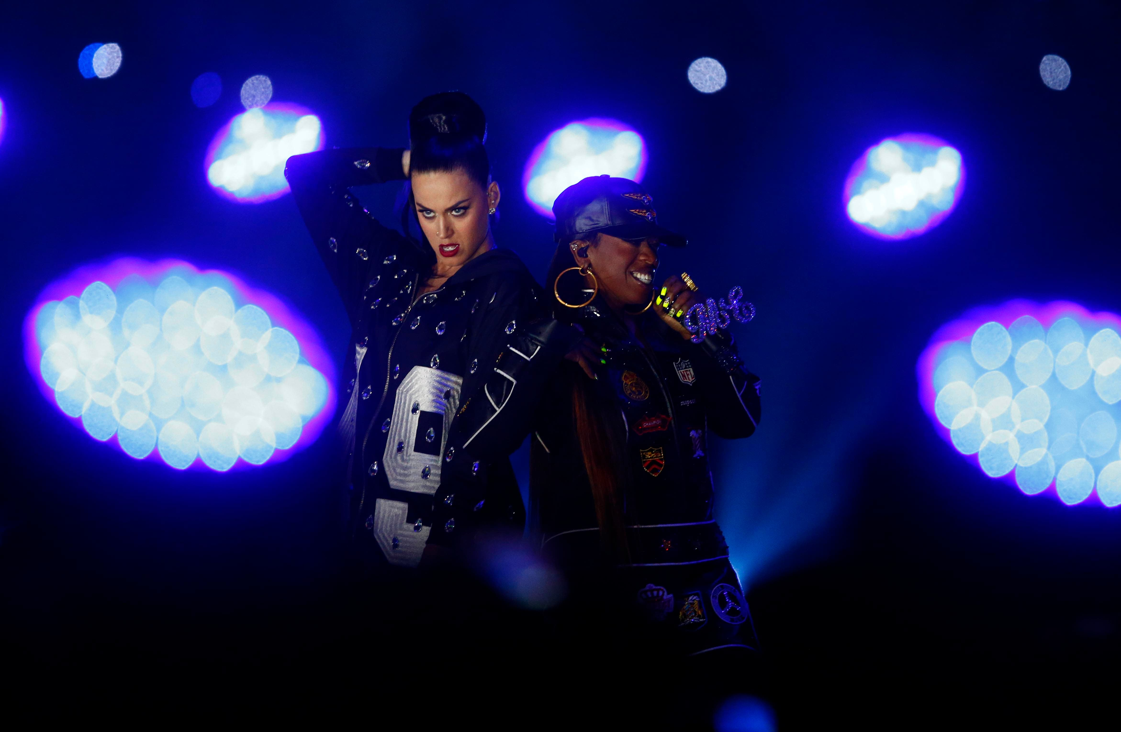 Recording artist Katy Perry performs at halftime with Missy Elliot in Super Bowl XLIX. (Reuter)