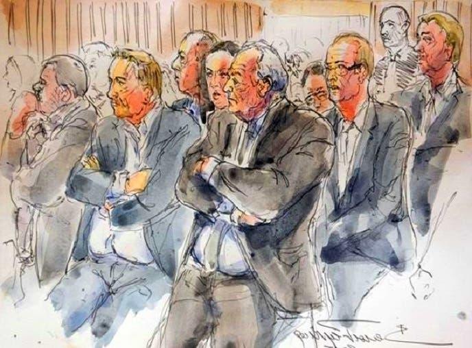 رسام تخيله جالسا في المحكمة التي مثل أمامها الاثنين في مدينة ليل الفرنسية، حيث التصوير كان ممنوعا