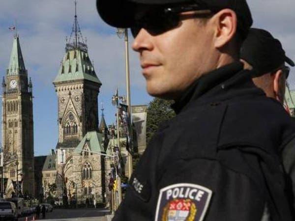 كندا: الشرطة تبحث عن مطلق نار ربما يقود سيارة شرطة