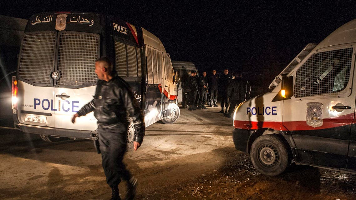 Police forces patrol near a house where suspected Islamist militants were hidden in Raoued, near Tunis, Monday night Feb. 3, 2014. (File photo: AP)
