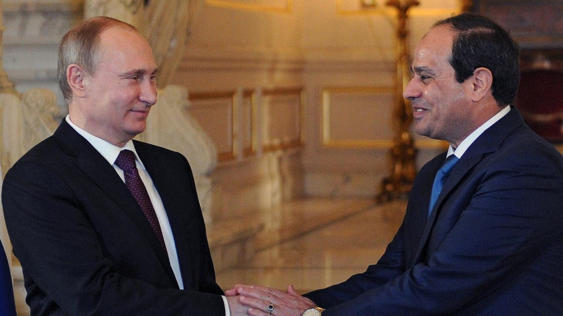 Egyptian President Abdel-Fattah el-Sisi (R) shakes hands with his Russian counterpart Vladimir Putin during their meeting in Cairo on February 10, 2015. (Reuters)