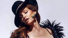 Cindy Crawford praised for un-Photoshopped pictures