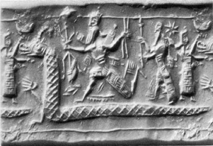 یک نقش برجسته در عراق، مردوخ خدای بابل را در حال نبرد با اژدهایی نشان میدهد که روح شریر تیامات از دهانش خارج میشود. در این نقش بر اساس اساطیر بینالنهرین اژدها بال ندارد.