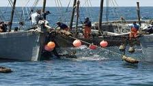 مجموعة ليبية مسلحة تعتقل 20 صياداً تونسياً
