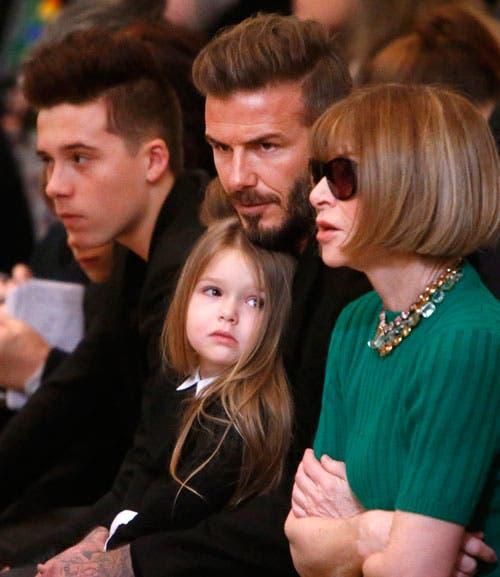 عائلة فيكتويريا بيكهام برفقة آنا ونتور