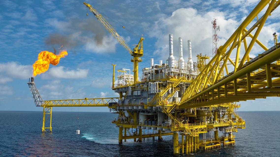 Kuwait to boost drilling rigs, crude capacity despite low oil price-KOC (Shutterstock)