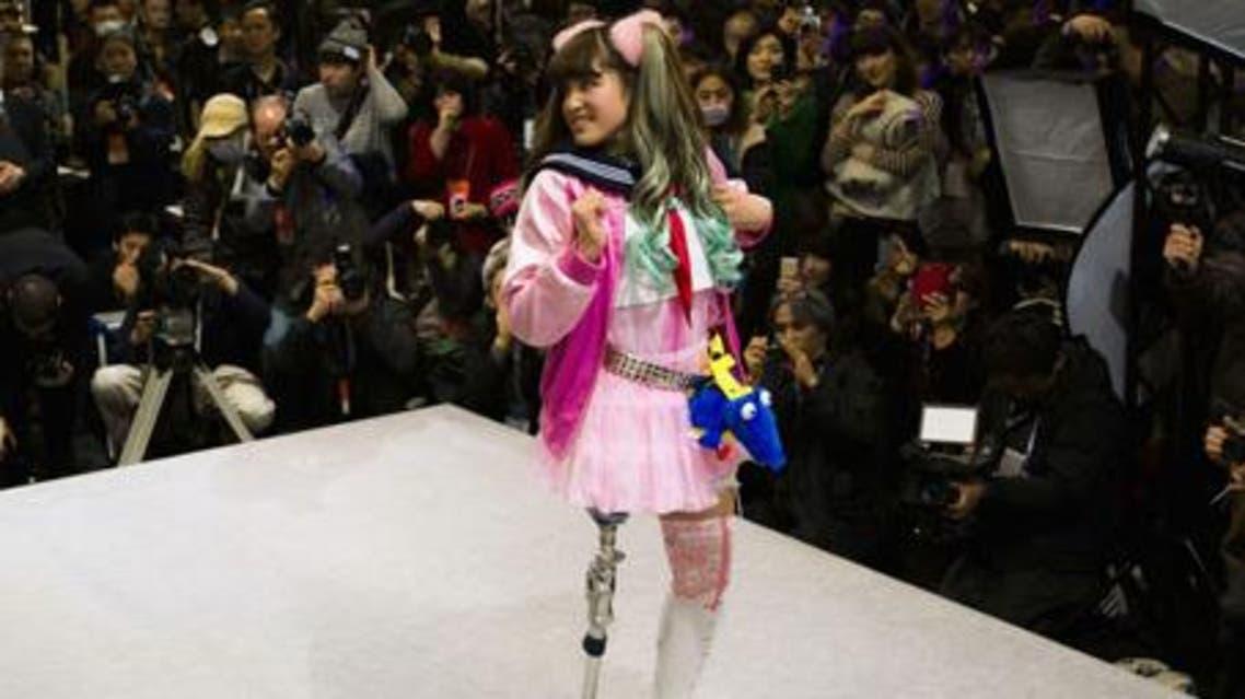 عارضات أزياء بأطراف صناعية في بطوكيو