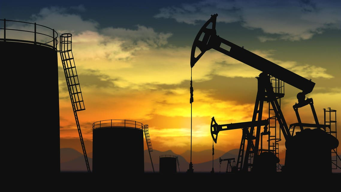 Oil falls towards $61, rally's sustainability in question (Shutterstock)