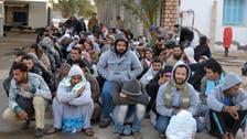 تونس.. المحتجون يسمحون بمرور مصريين آتين من ليبيا