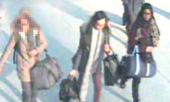 The three London girls at Gatwick airport before boarding their flight to Istanbul. (Photo courtesy: Metropolitan police)