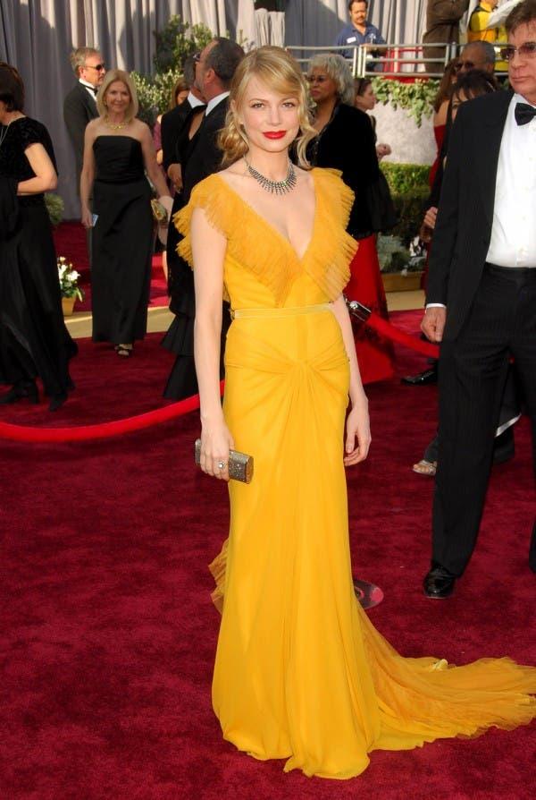 ميشال ويليامز ارتدت ثوباً طويلاً باللون الأصفر من Vera Wang في العام 2006