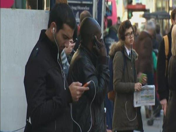 فضح أكبر عملية تجسس الكتروني على بطاقات الهواتف الذكية