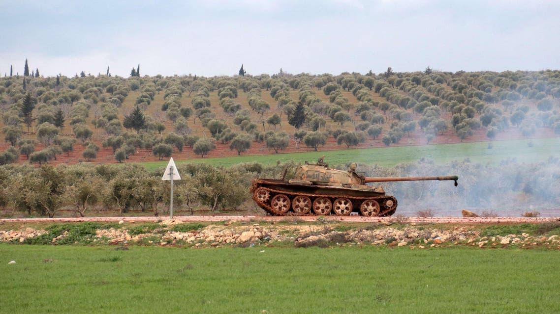 مقاتلو المعارضة على تخوم بلدة رتيان في حلب