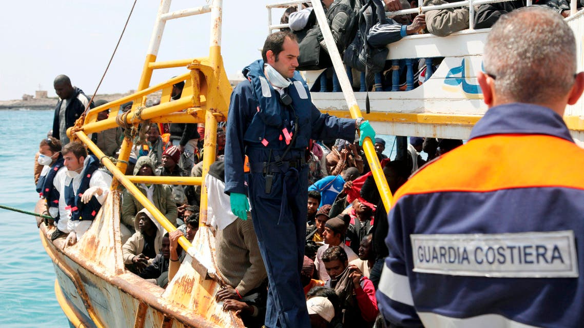 In this photo provided by the Italian Coastguard, a boat reportedly carrying 760 migrants arrives at the Lampedusa harbor, Italy, Tuesday, April 19, 2011. (File photo: AP)