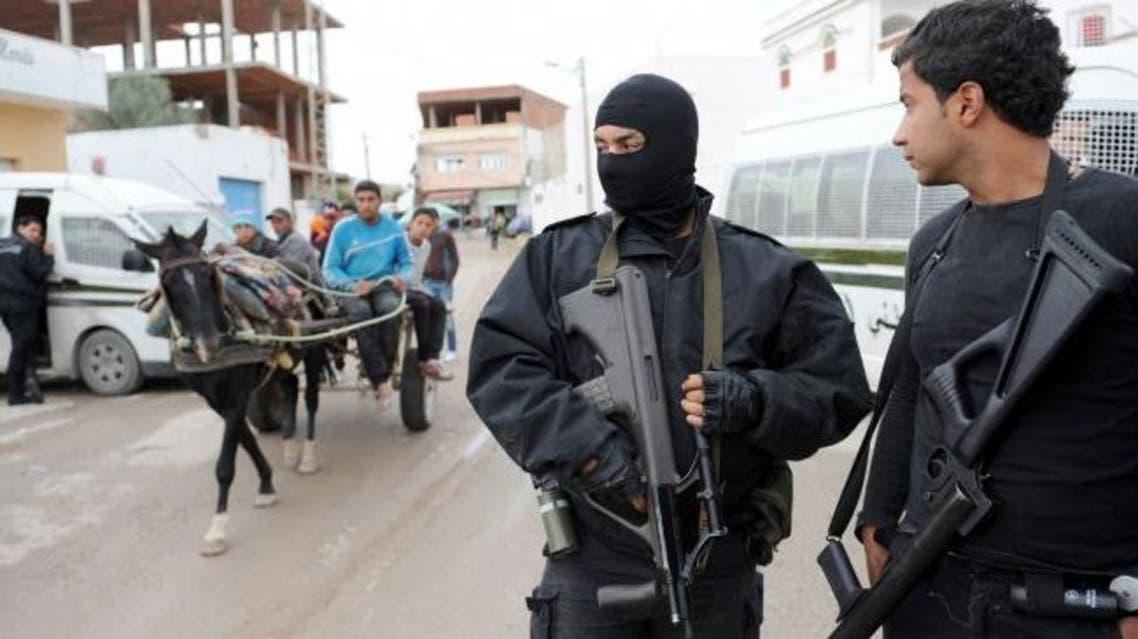 تونس.. توقيف 13 شخصاً مرتبطين بخلية قتلت رجال أمن