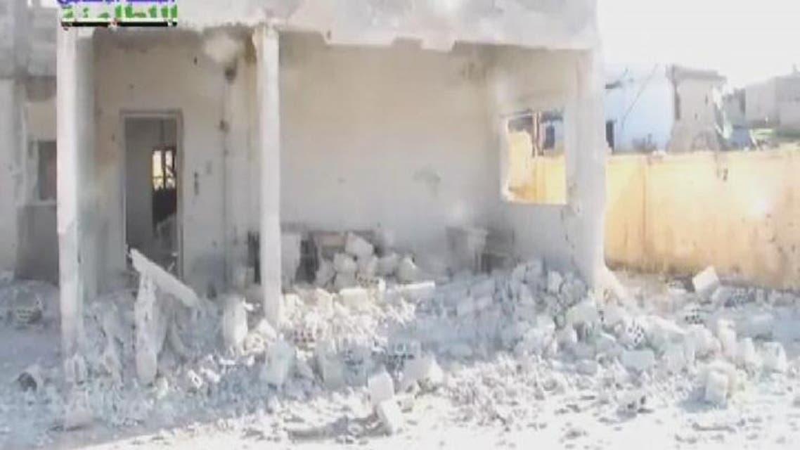THUMBNAIL_ دمار مدرسة جراء قصف النظام بالبراميل المتفجرة على حماة
