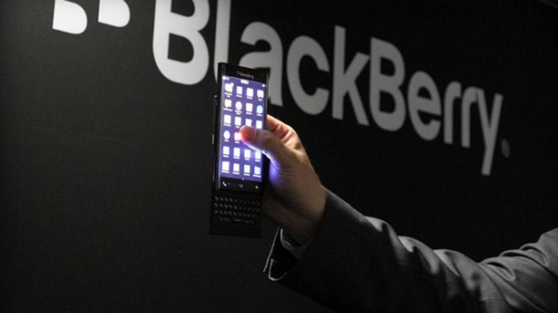 بلاك بيري تطلق هاتف ذكي بشاشة منحنية من الجانبين