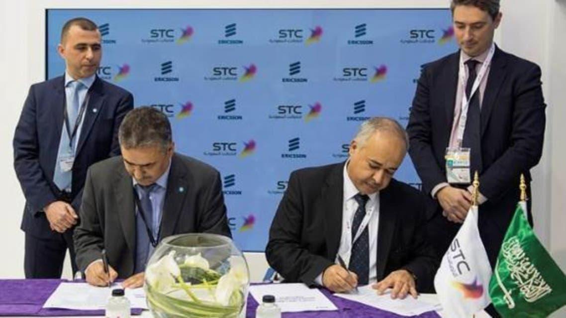 Saudi Telecom Company and Ericsson executives at the agreement signing ceremony. (Arab News)