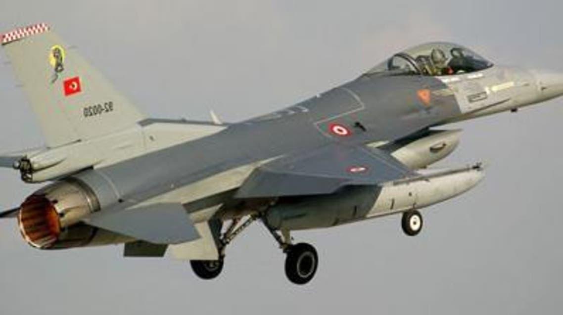 مقاتلة تركية