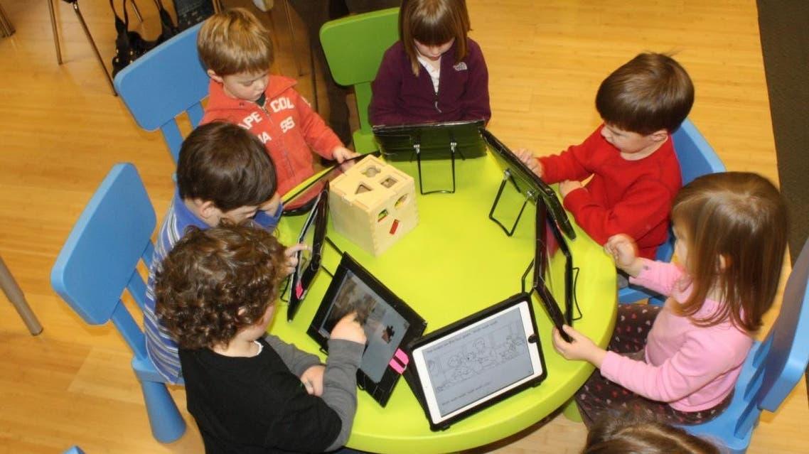 استخدام الأجهزة الذكية بالتعليم